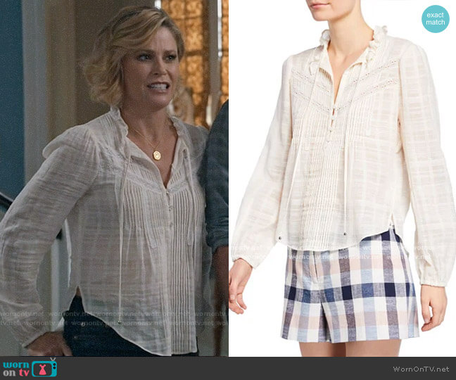 Veronica Beard Jamie Top worn by Claire Dunphy (Julie Bowen) on Modern Family