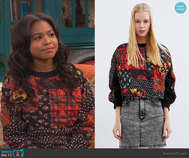 Patchwork Print Sweatshirt by Zara worn by Nia Baxter (Navia Robinson) on Ravens Home