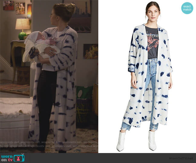 Madison Cardigan by 360 Sweater worn by Stephanie Tanner (Jodie Sweetin) on Fuller House