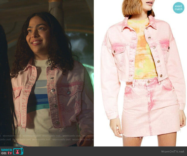 Acid Washed Hacked Denim Jacket by Topshop worn by Molly Hernandez (Allegra Acosta) on Marvels Runaways