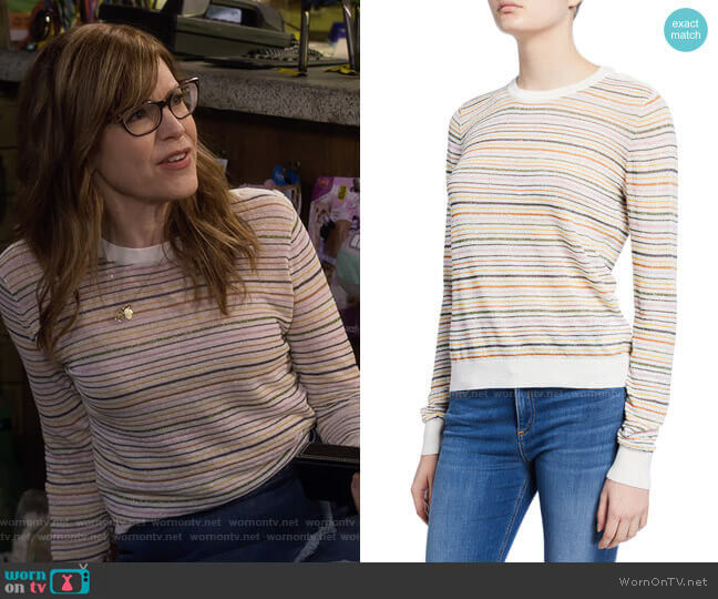 Ade Sweater by Joie worn by Lisa Loeb on Fuller House