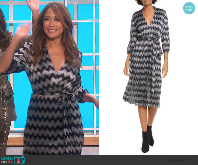 Katina Gathered Midi Dress by Alice + Olivia worn by Carrie Inaba  on The Talk