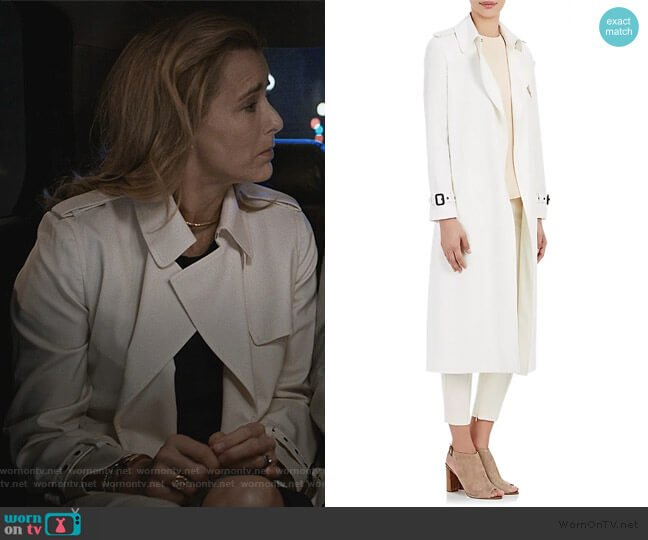 White Twill Open-front Trench Coat by Barneys New York worn by Elizabeth McCord (Téa Leoni) on Madam Secretary