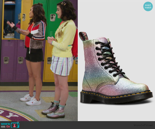 1460 Pascal Rainbow Glitter Boots by Dr Martens worn by Hannah (Merit Leighton) on Alexa & Katie