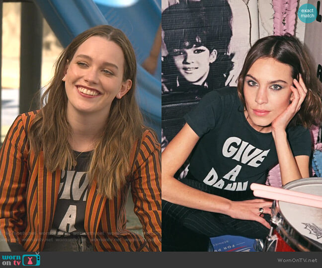 Give a Damn T-shirt by The Deep End Club worn by Love Quinn (Victoria Pedretti) on You