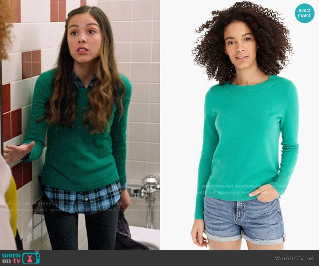J. Crew Long-sleeve everyday cashmere crewneck sweater in Bright Kelly worn by Nini (Olivia Rodrigo) on High School Musical The Musical The Series