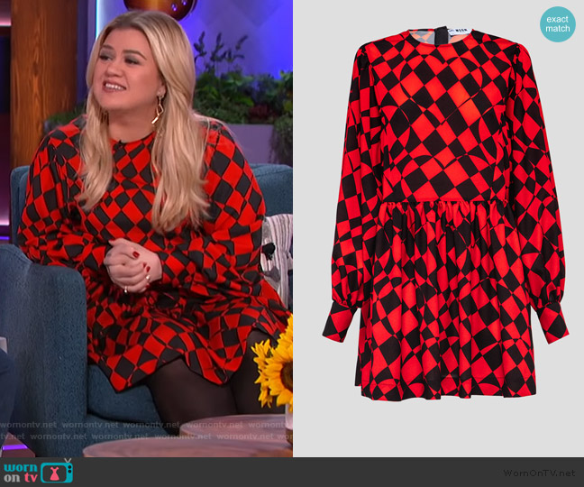 Check Print Scoop Neck Dress by MSGM worn by Kelly Clarkson  on The Kelly Clarkson Show
