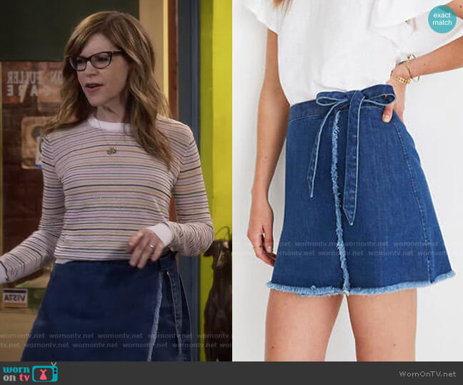 Raw-Hem Mini Wrap Skirt in Cardiff Wash by Madewell worn by Lisa Loeb on Fuller House