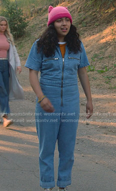 Molly's denim zip front jumpsuit on Marvels Runaways