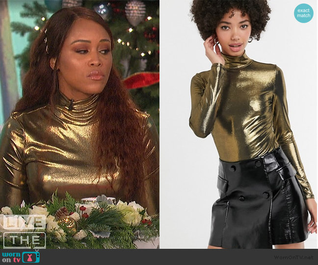 Monki high neck foile jersey top in gold by ASOS worn by Eve  on The Talk