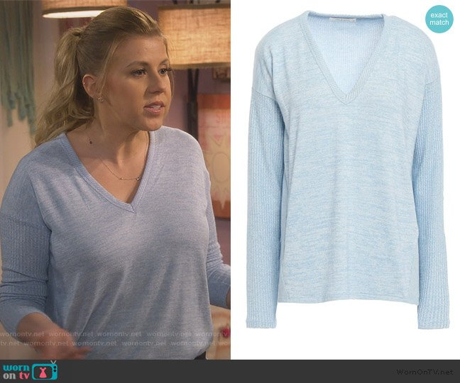 Clara Melange jersey sweater by Rag and Bone worn by Stephanie Tanner (Jodie Sweetin) on Fuller House