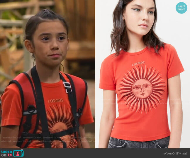 Sun Baby Tee by Urban Outfitters worn by Gwen (Scarlett Estevez) on Bunkd