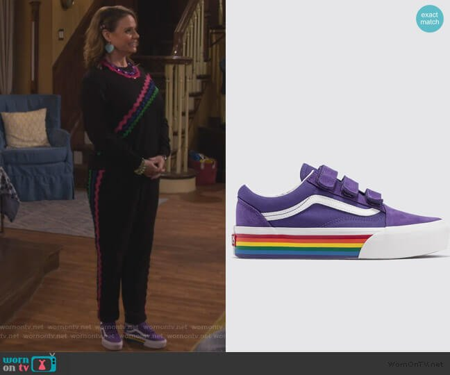 Old Skool V Platform by Vans worn by Kimmy Gibbler (Andrea Barber) on Fuller House