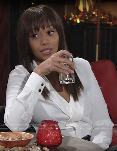Amanda's white v-neck blouse on The Young and the Restless
