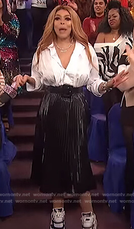 Wendy's black pleated skirt on The Wendy Williams Show