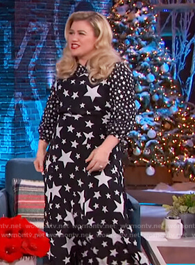 Kelly's black star print maxi dress on The Kelly Clarkson Show