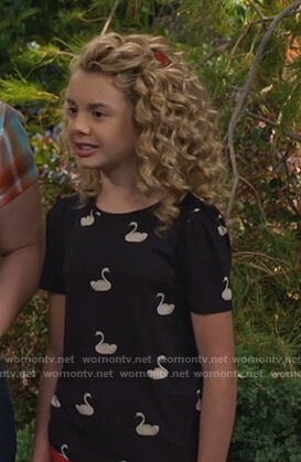 Destiny's black swan print tee on Bunkd