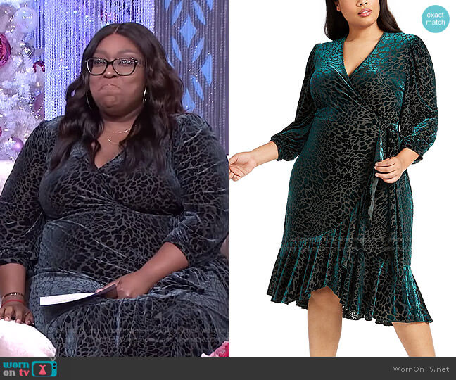 Plus Size Burnout Velvet Wrap Dress by Calvin Klein worn by Loni Love  on The Real
