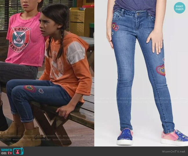 Embroidered Heart Skinny Jeans by Cat & Jack at Target worn by Gwen (Scarlett Estevez) on Bunkd