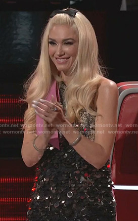 Gwen Stefani's sequin one-shoulder dress with pink bow on The Voice