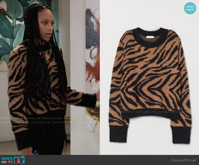 H&M Jacquard Knit Sweater in Light brown/zebra print worn by Trina (Sydney Mikayla) on General Hospital