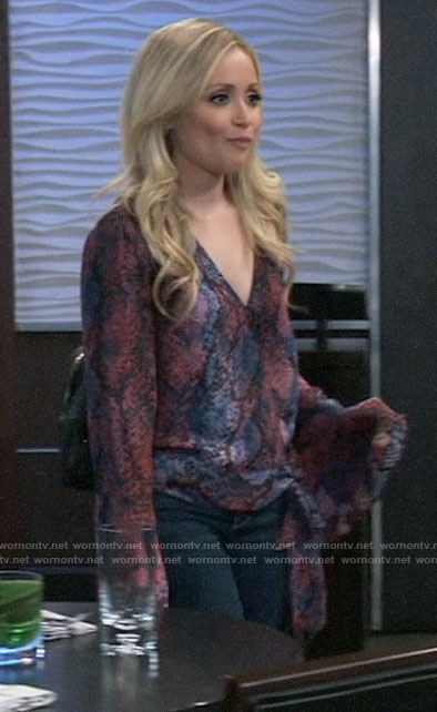 Lulu's pink and blue snake print blouse on General Hospital