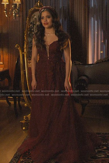 Maggie's burgundy wedding dress on Charmed