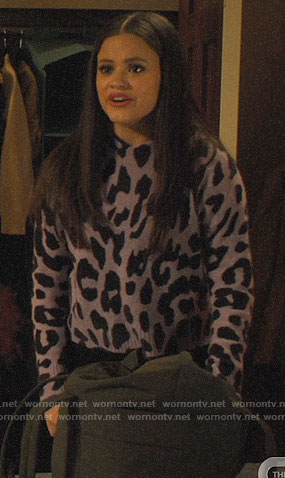 Maggie's purple leopard print hoodie sweater on Charmed