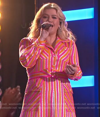 Kelly's metallic stripe dress on The Kelly Clarkson Show