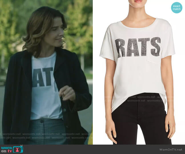 The Itty Bitty Goodie Tee by Mother worn by Dex Parios (Cobie Smulders) on Stumptown