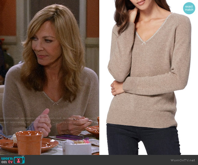 Paige Adalyn Sweater worn by Bonnie Plunkett (Allison Janney) on Mom
