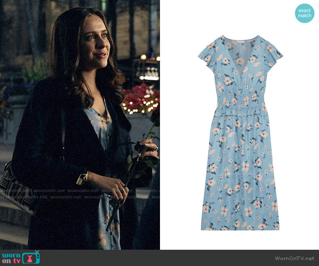 Rebecca Taylor Shirred floral-print silk-blend jacquard midi dress worn by Claire Conway (Bel Powley) on The Morning Show