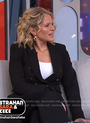 Sara's black double breasted blazer on GMA Strahan Sara And Keke