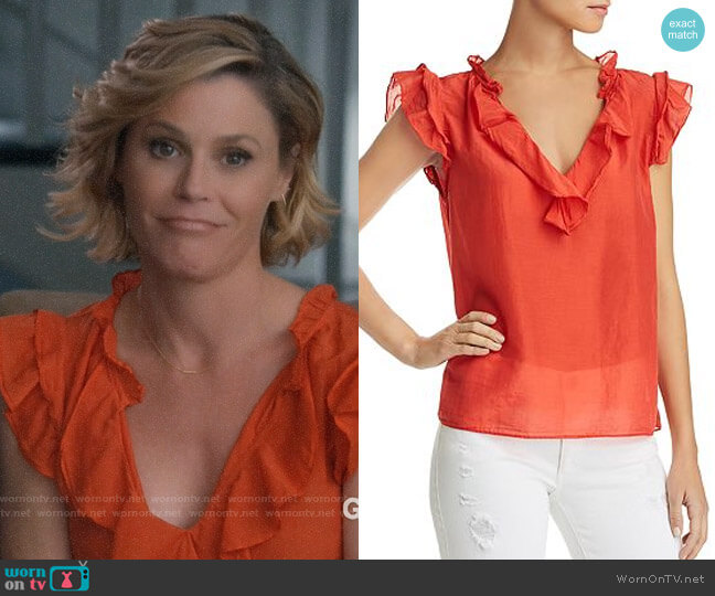 Velvet by Graham & Spencer Mariana Ruffled Top worn by Claire Dunphy (Julie Bowen) on Modern Family