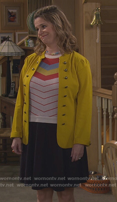 Kimmy's white stripe sweater and yellow jacket on Fuller House