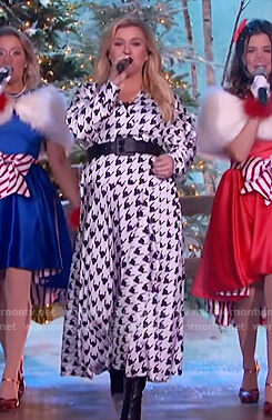 Kelly's white houndstooth print wrap dress on The Kelly Clarkson Show
