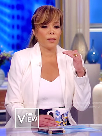 Sunny's white single breasted blazer on The View