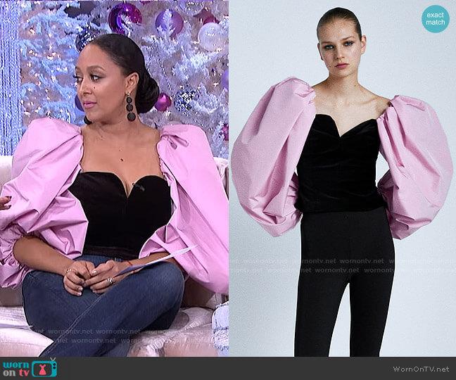 ontrasting Velvet Top by Zara worn by Tamera Mowry  on The Real