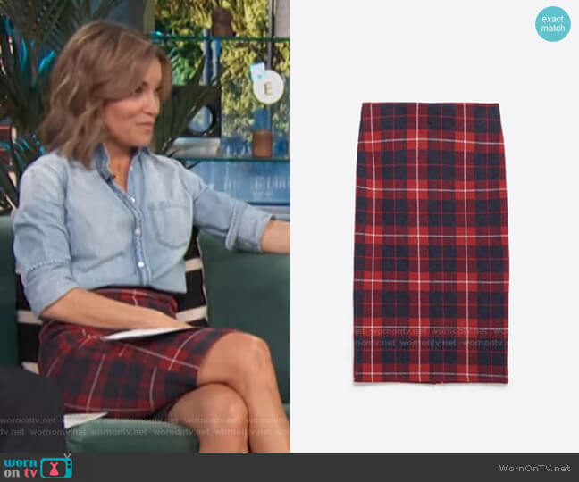 Plaid Check Skirt by Zara worn by Kit Hoover  on Access Hollywood