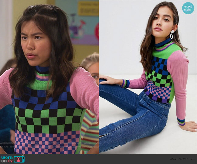 mixed checkerboard sweater with tipping by ASOS worn by Tiffany Espensen on Alexa and Katie