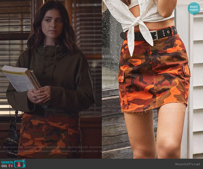 Overdyed Camo Mini Skirt by BDG worn by Olive Stone (Luna Blaise) on Manifest
