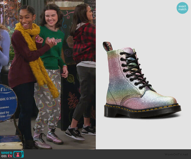 1460 Pascal Rainbow Glitter Boots by Dr.Martens worn by Hannah (Merit Leighton) on Alexa & Katie