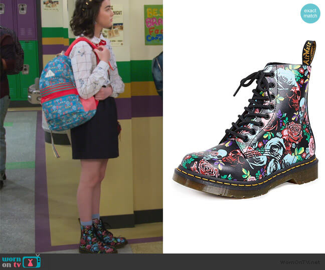 1460 Pascal Rose Combat Boot by Dr. Martens worn by Hannah (Merit Leighton) on Alexa & Katie