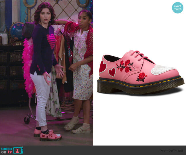 1461 Sequin Hearts Shoes by Dr Martens worn by Hannah (Merit Leighton) on Alexa & Katie