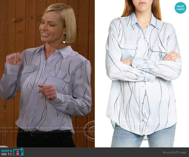 Equipment Slim Signature Silk Shirt in Blue Aere Eclipse worn by Jill Kendall (Jaime Pressly) on Mom