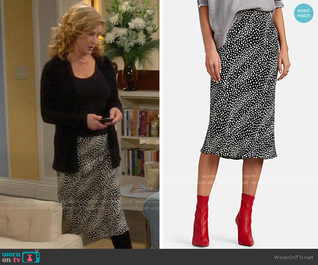 FiveSeventyFive Leopard-Print Skirt worn by Vanessa Baxter (Nancy Travis) on Last Man Standing