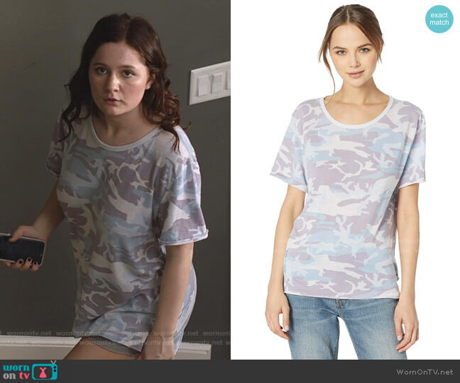 Army Tee by Free People worn by Debbie Gallagher (Emma Kenney) on Shameless