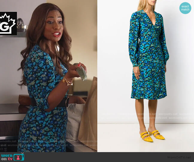Floral silk-blend midi dress by Ganni worn by Poppy (Kimrie Lewis) on Single Parents