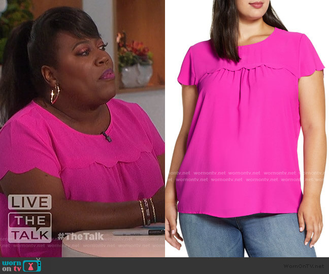 x Fall Refresh Fancy Ashley Woven Scallop Top by Gibson worn by Sheryl Underwood  on The Talk