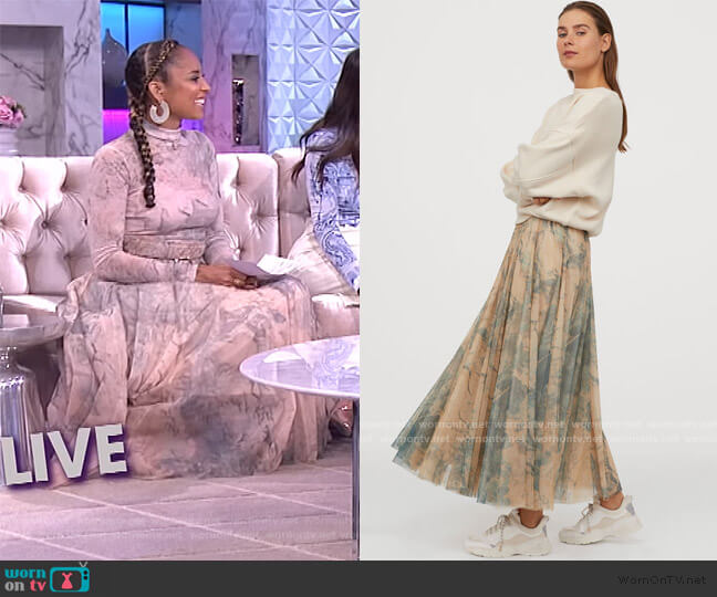 Tulle Circle Skirt by H&M worn by Amanda Seales  on The Real